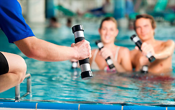 sport-im-schwimmbad
